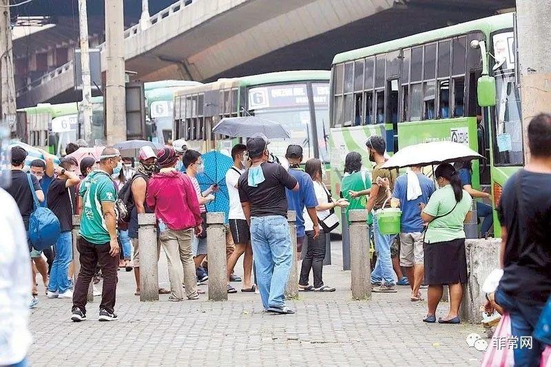 为平衡疫情和经济,菲政府将交通乘客的物理距离缩短为0.75米